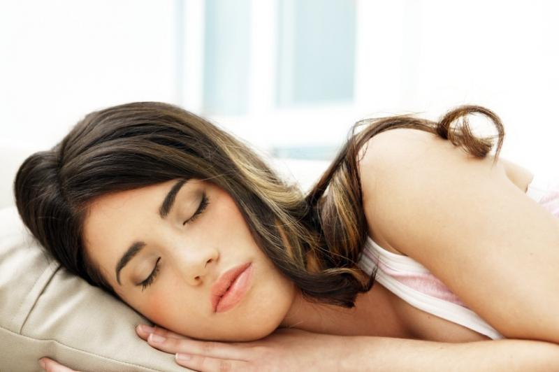 Kroz koliko faza sna prolazimo dok spavamo?