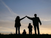 PORODICA - TEMELJ,  IZVORIŠTE  I  UTOČIŠTE